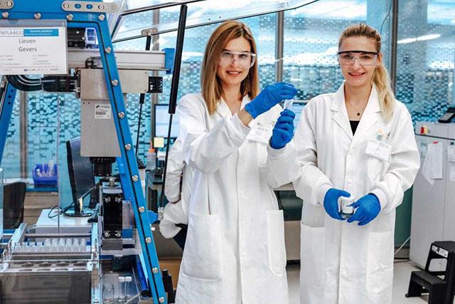 Настя и Ира, соосновательницы блога @ichemfem и @ichemfem_eng, PhD в chemical engineering