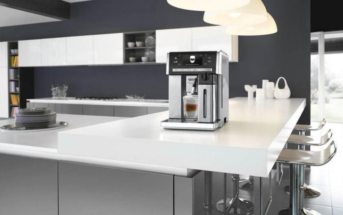 Кофемашины DeLonghi ESAM 6900 M PrimaDonna Exclusive и Delonghi ESAM 6904 M - это одна и та же модель.