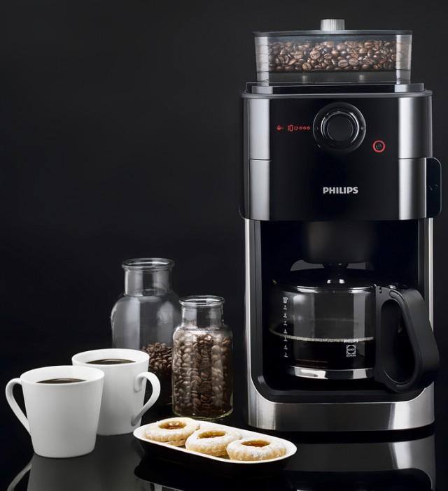 Капельная кофеварка Philips HD7761 Grind & Brew
