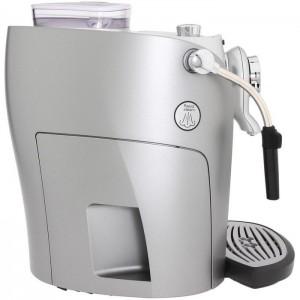 У кофемашин линейки Odea - капучинатор ручной, но реализован на отлично