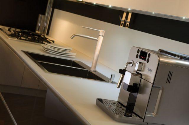 Кофемашина Gaggia Brera в интерьере кухни