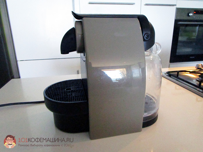 Фотки кофеварки Крупс Неспрессо XN214010 сбоку