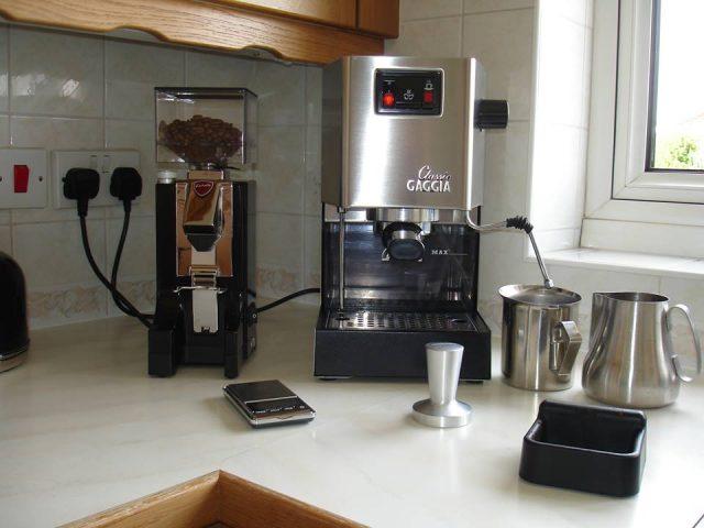 Кофемолка Eureka Mignon и кофеварка Gaggia Classic.