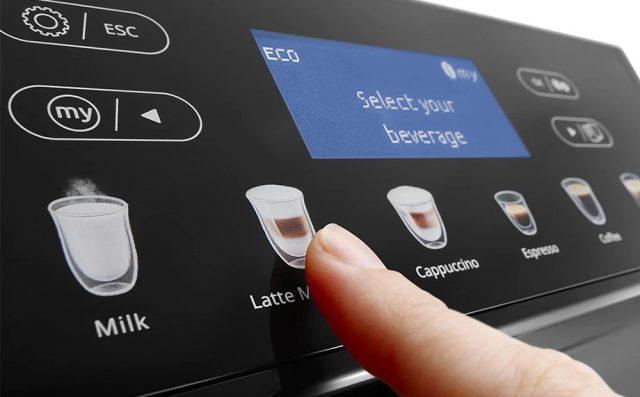 Панель управления и экран кофемашины Delonghi ECAM46.860