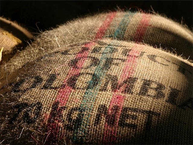 Джутовый мешок с кофе Colombia Supremo